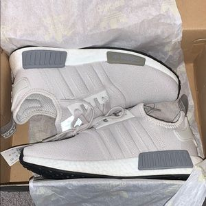 Women's NMD_R1 shoes